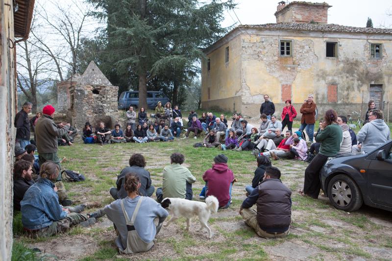 Mondeggi, marzo 2015. Assemblea per la custodia degli ulivi.  © Federico Barattini